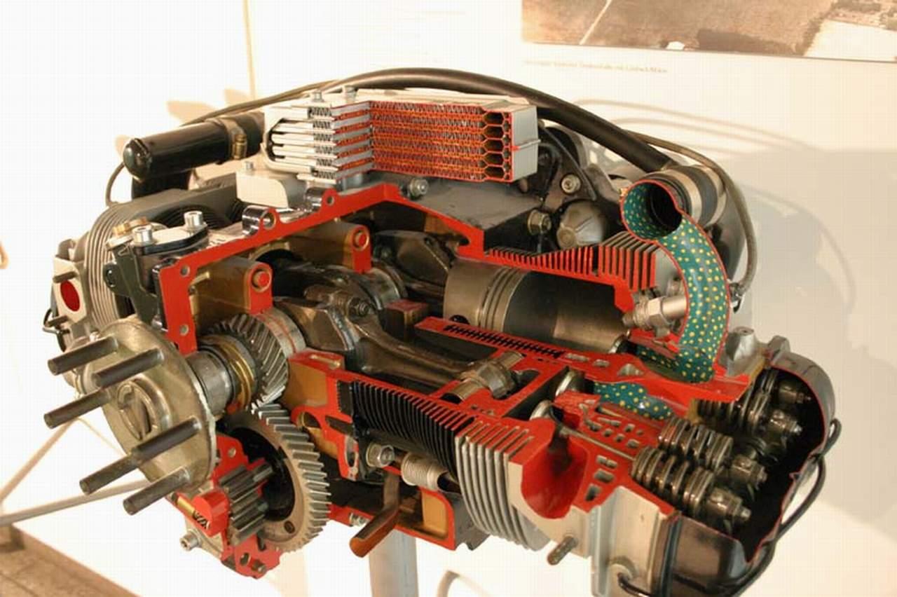 Aircraft Engine Cutaway Bomba Wallpaper